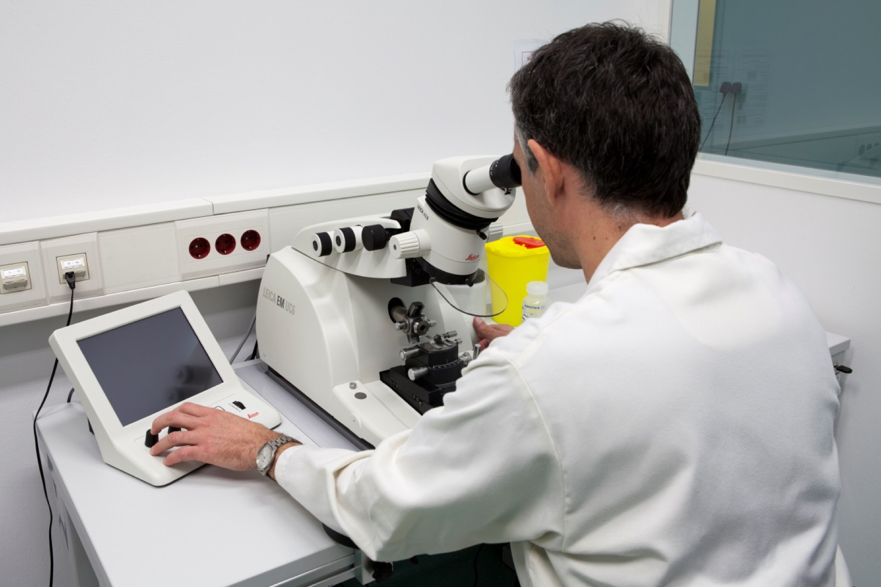 Sophisticated Testing Instruments Used in the Metallurgical Analysis of the Purified CLN